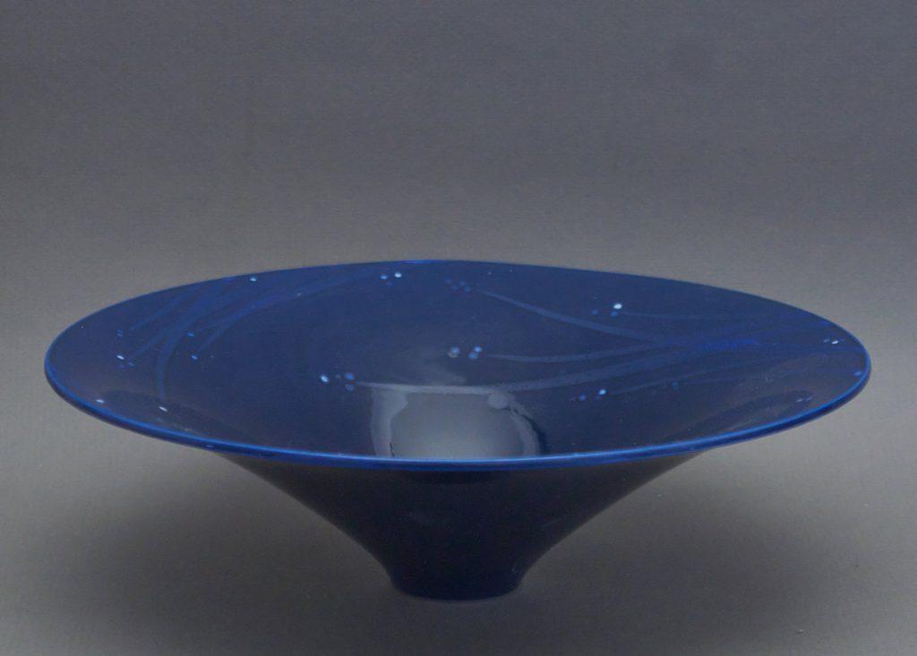 Canadian Pottery - porcelain bowl, chop unread, dia. 9″ - British Columbia