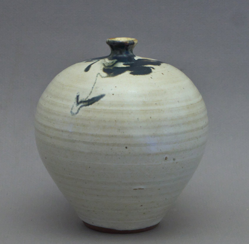 Canadian Pottery - David Taylor vase, ht. 6″ - Nova Scotia