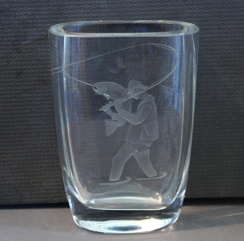 Strathearn Glass Fly Fishing vase