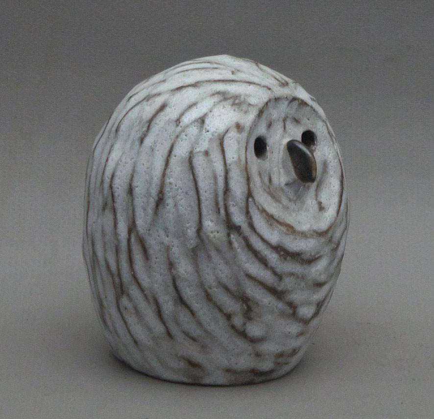 Canadian Pottery – Tommy Kakinuma Owl, 5-1/2″ – British Columbia