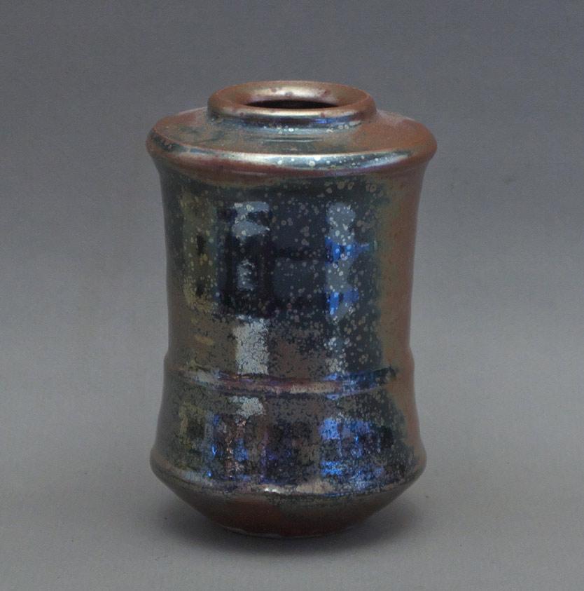 Canadian Pottery - Wayne Ngan vase, ht. 6″ - British Columbia