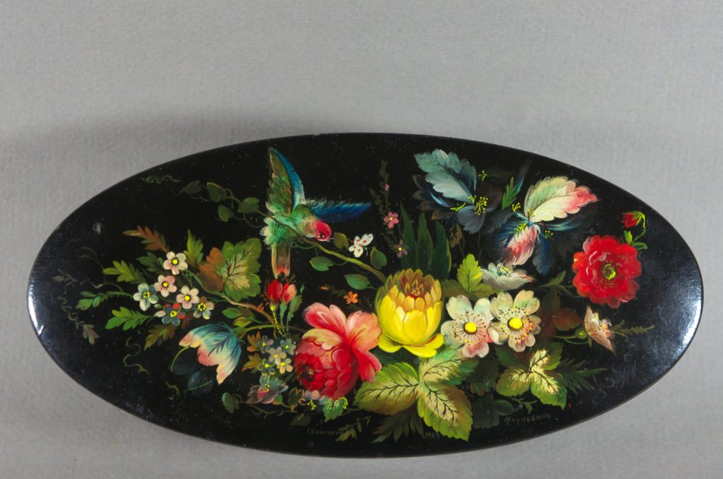 Oval Russian lacquer box