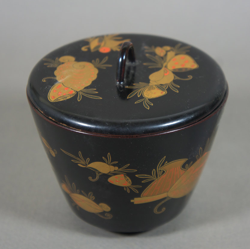 Japanese lacquer tea caddy top view