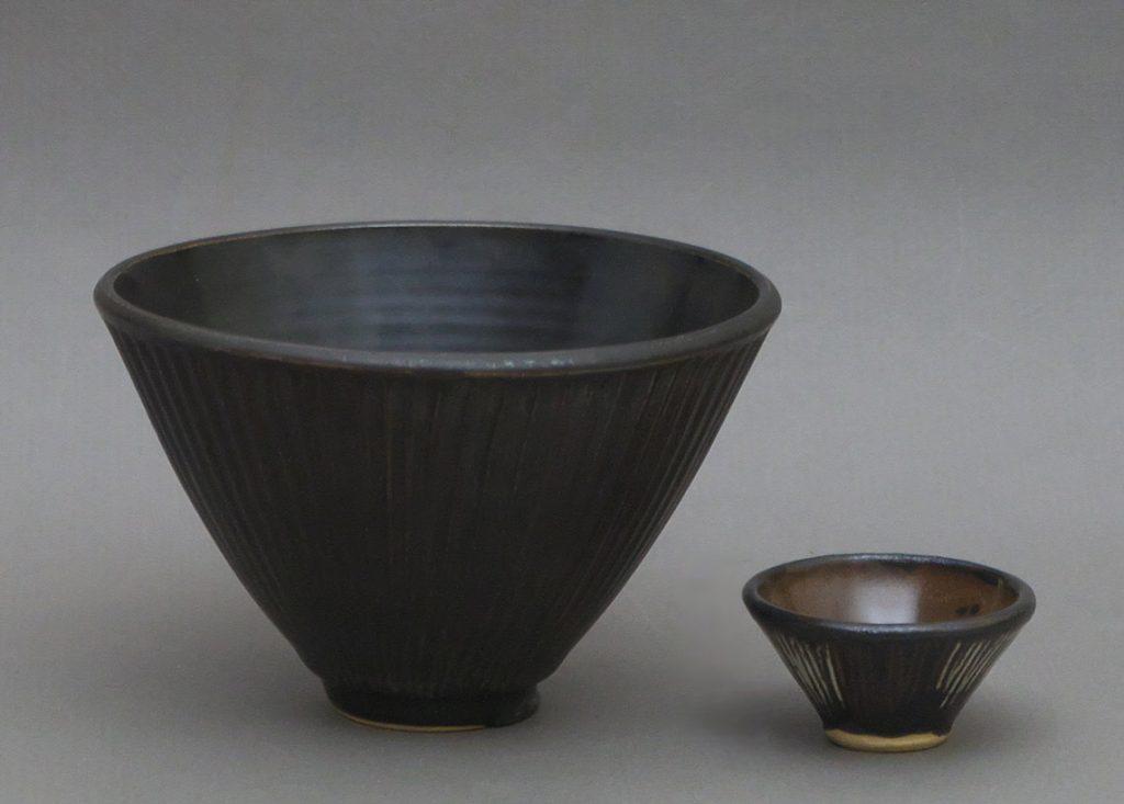 An English studio pottery bowl with glaze tester miniature