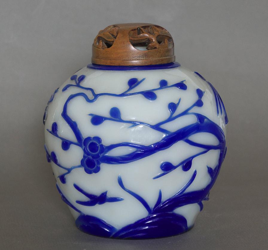 Peking glass ginger jar view 2