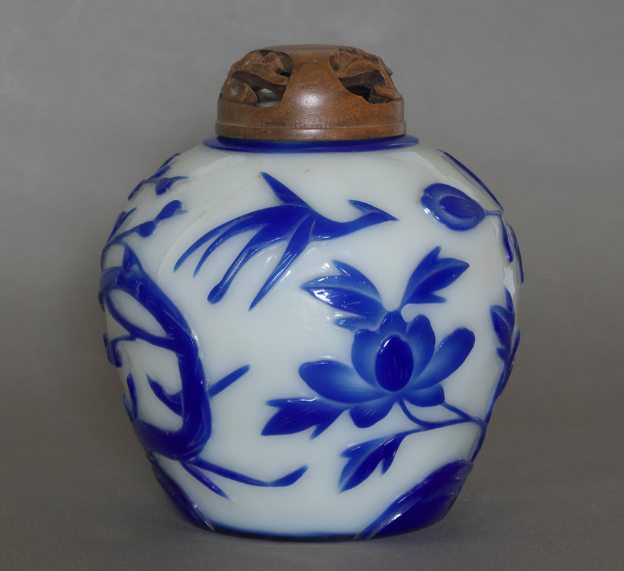 Peking glass ginger jar view 3