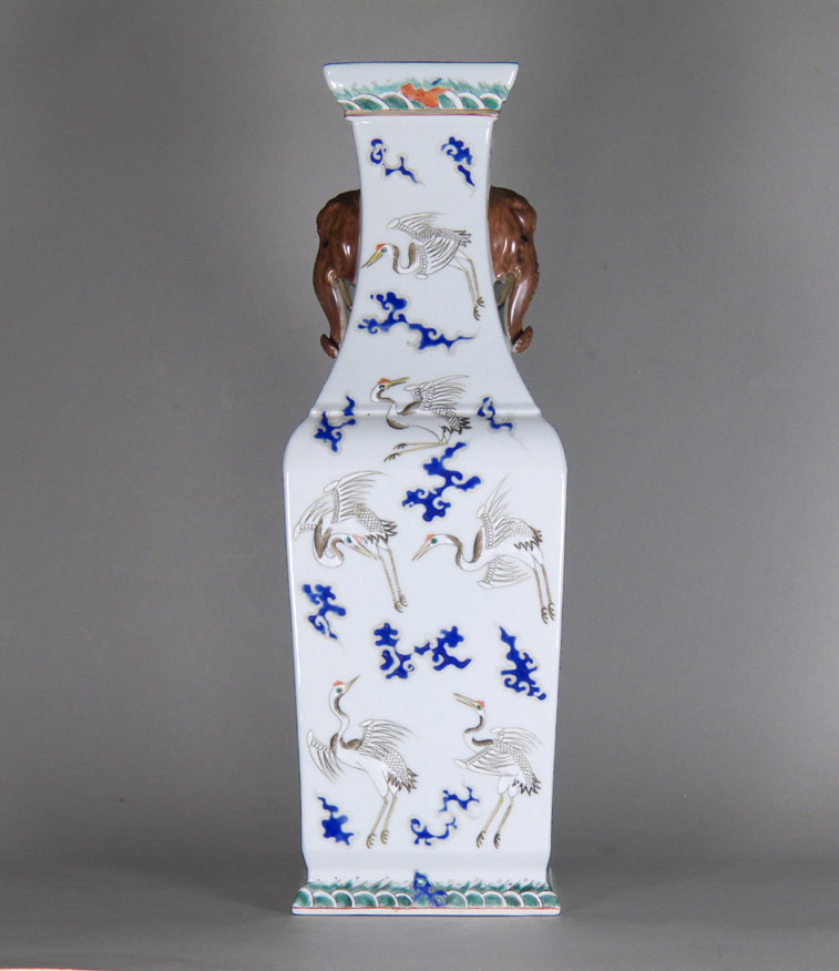Porcelain vase signed sheng de tang zhi